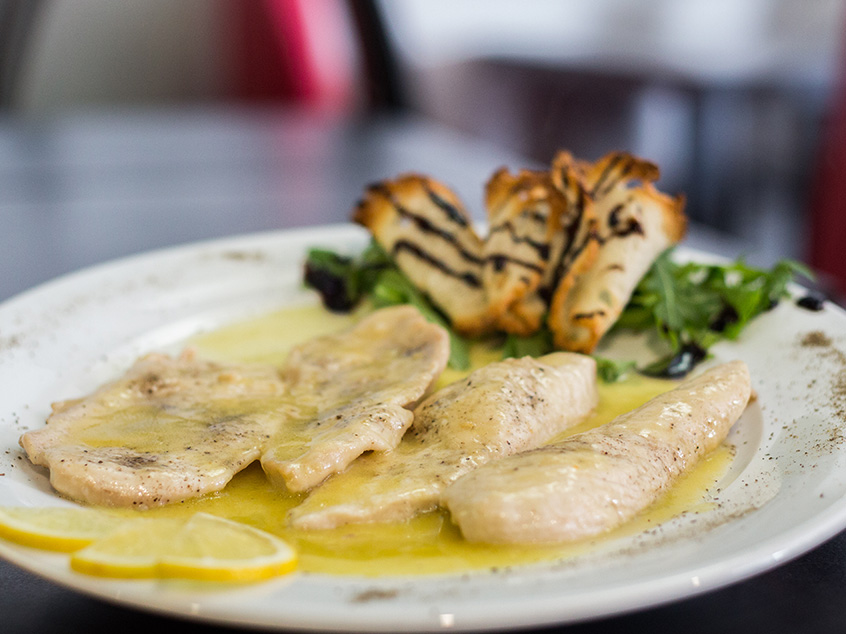 Breast of chicken with lemon sauce